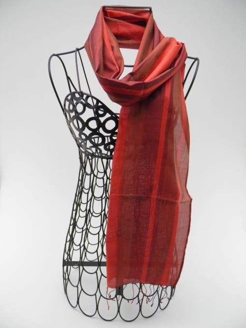 Foulard Rouge – Essentiel