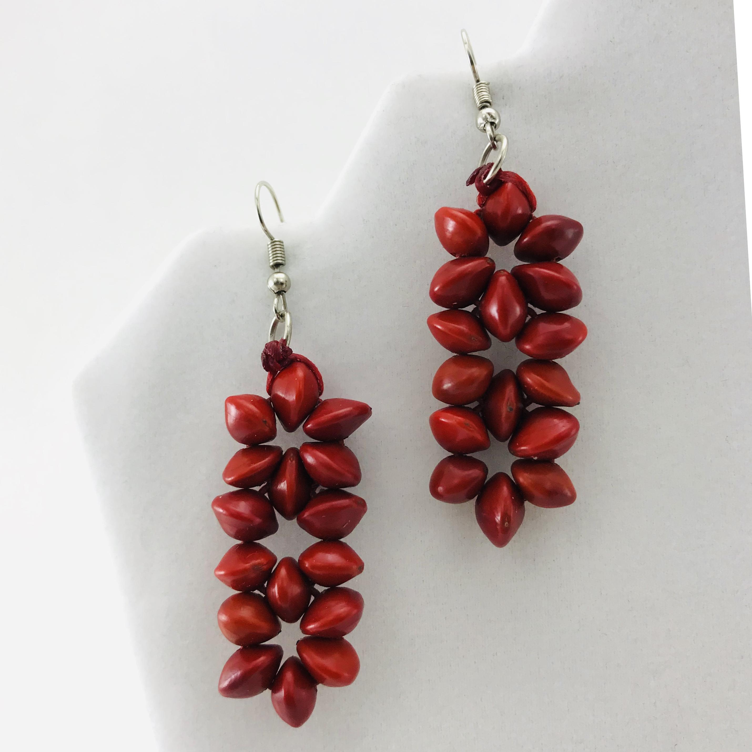 Les 3 Fleurs - Boucles d'oreilles graines naturelles - Rouge